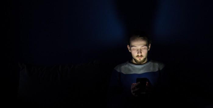 Giovani e depressione: quanto influiscono i social media?