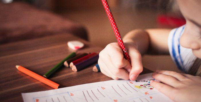 Troppi compiti e valutazioni un sistema scolastico da rivedere